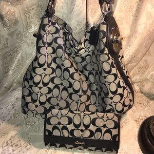 Authentic COACH Penelope Signature Hobo Bag/Wallet